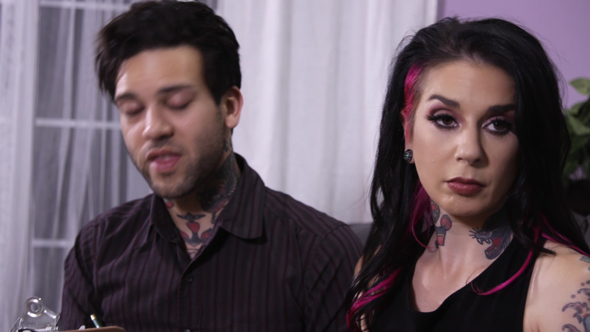Scene with Joanna Angel, Small Hands and Giselle Palmer - image 2 out of 20