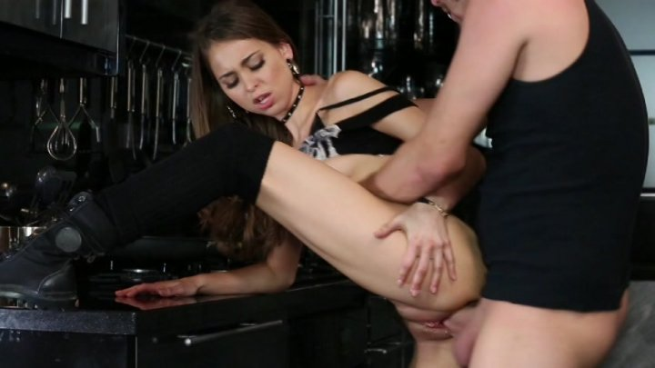 Scene with Xander Corvus and Riley Reid - image 8 out of 20