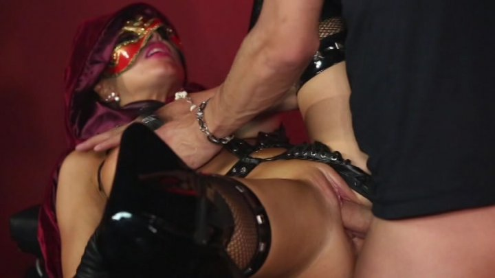 Scene with Xander Corvus and Romi Rain - image 16 out of 20