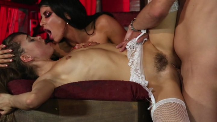 Scene with Xander Corvus, Riley Reid and Romi Rain - image 13 out of 20
