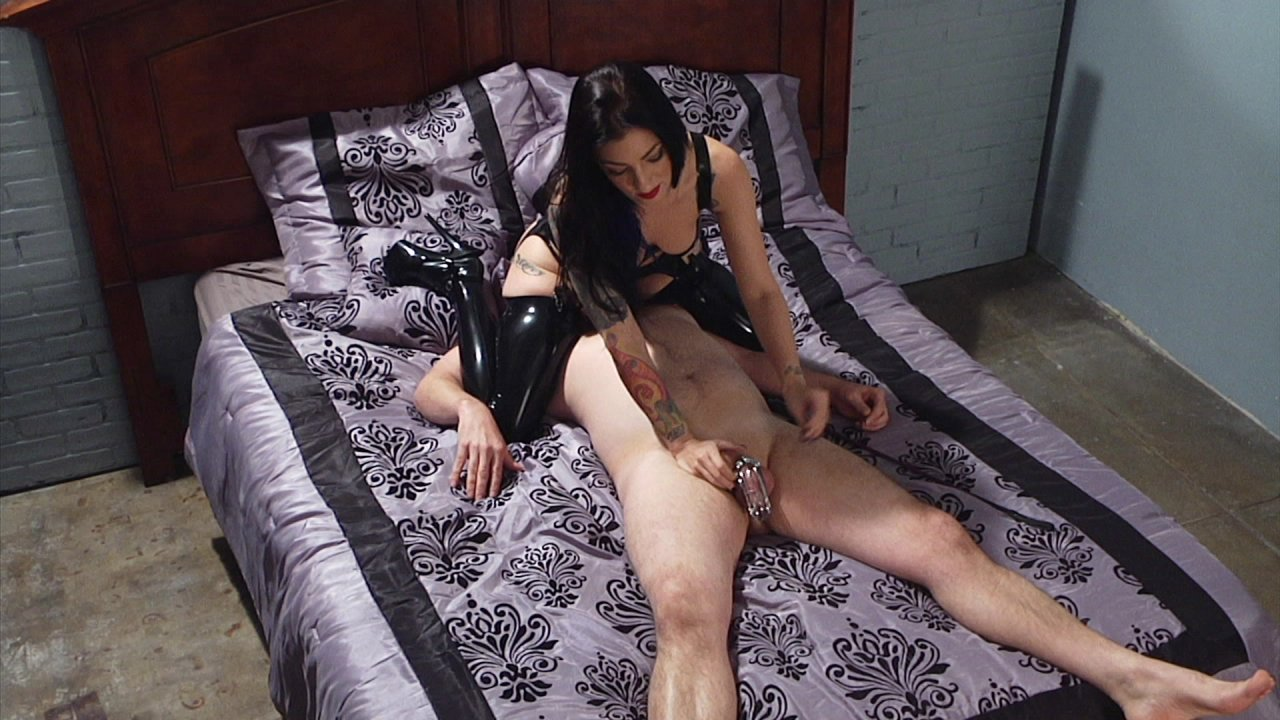 Scene with Jimmy Broadway and Cybill Troy - image 5 out of 19