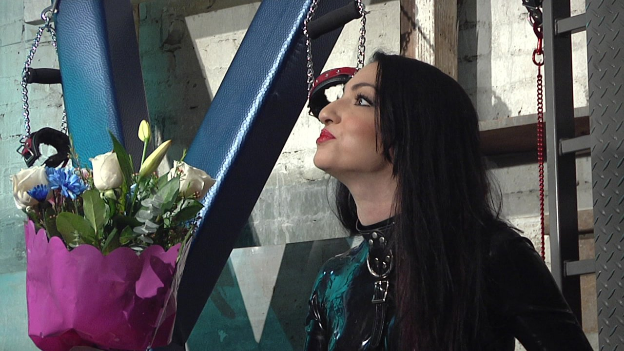 Scene with Dominik Kross and Cybill Troy - image 1 out of 20