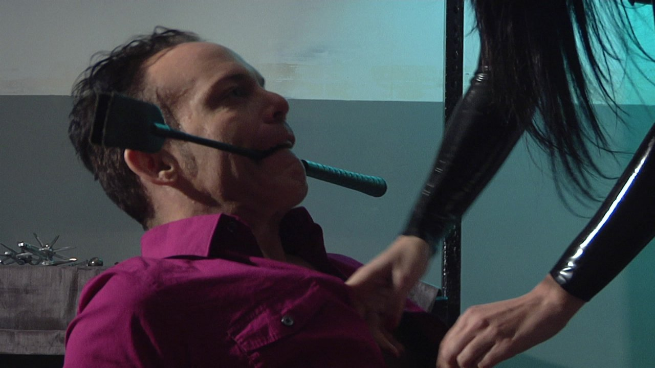 Scene with Dominik Kross and Cybill Troy - image 4 out of 20