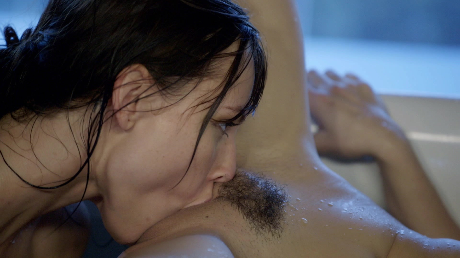 Scene with Riley Reid and Aidra Fox - image 10 out of 20