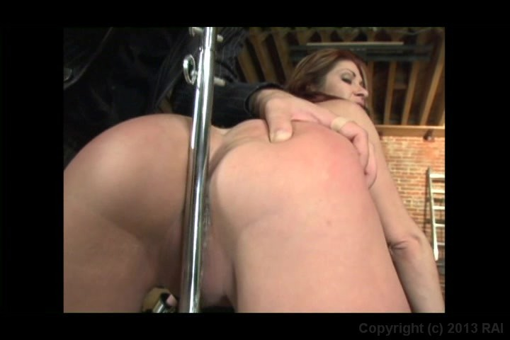 Screen image 94 out of 241 from 25 Sexiest Asses