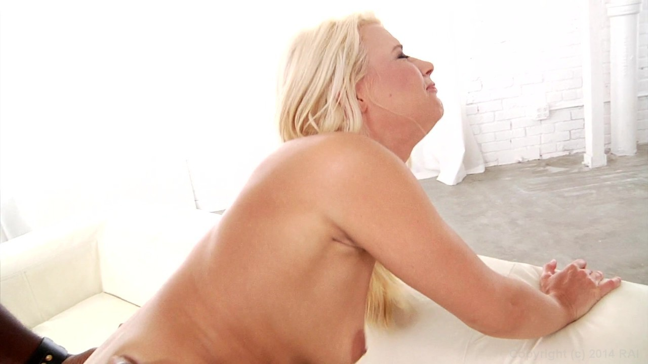Scene with Mandingo and Anikka Albrite - image 19 out of 20