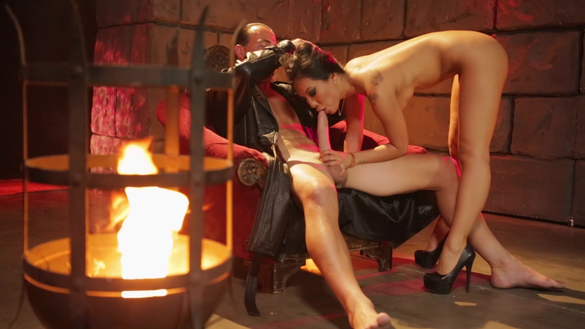Scene with Asa Akira - image 3 out of 20