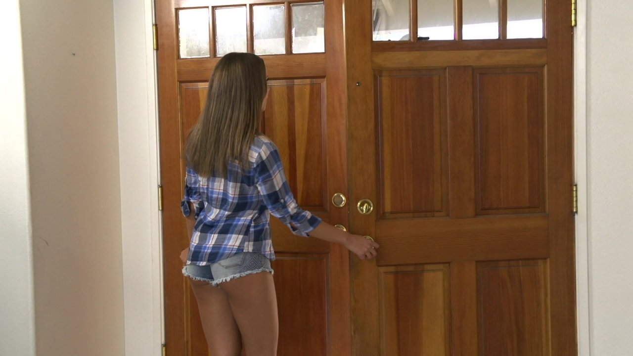 Scene with Liza Rowe - image 3 out of 20