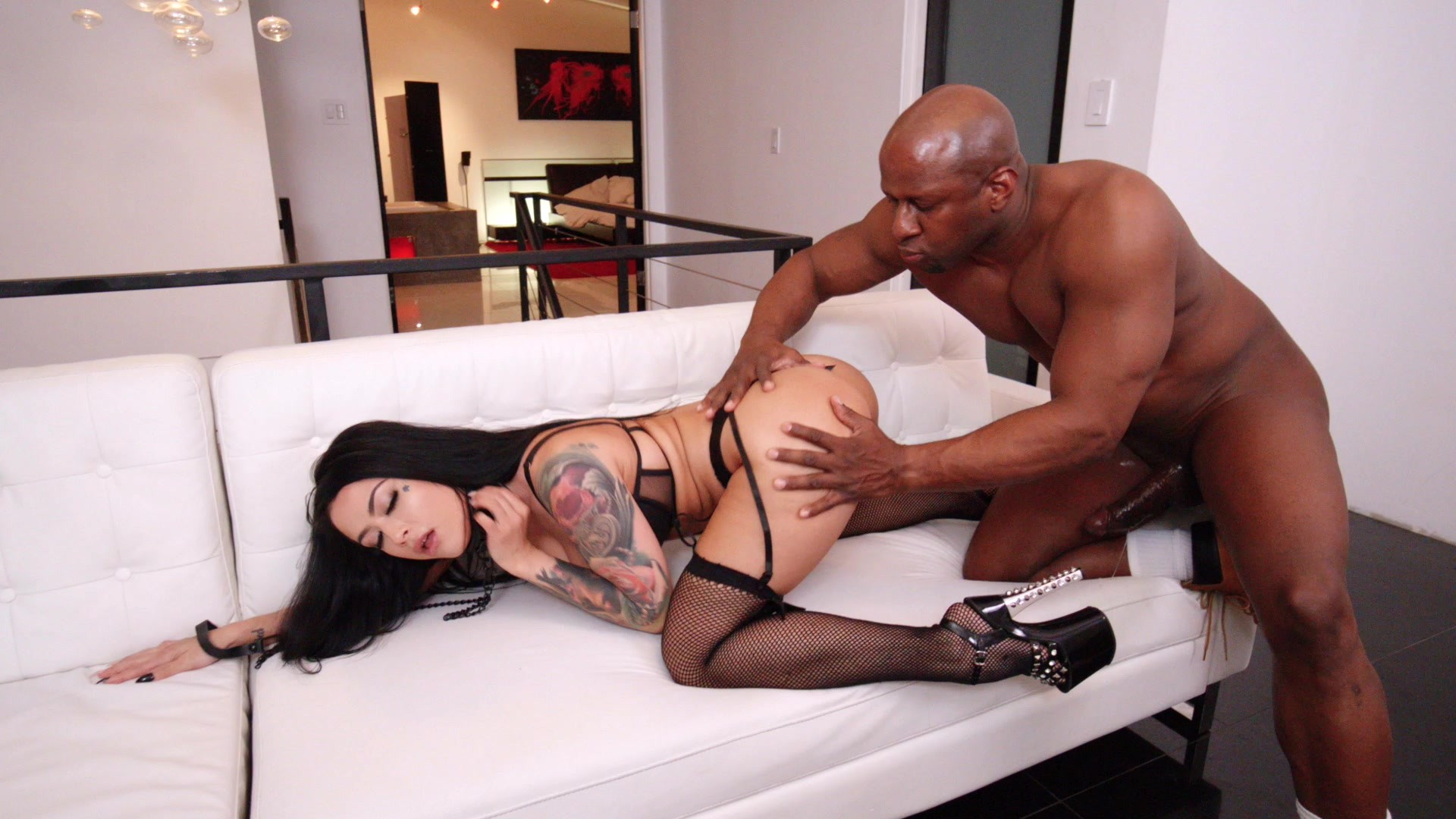Scene with Katrina Jade - image 7 out of 20