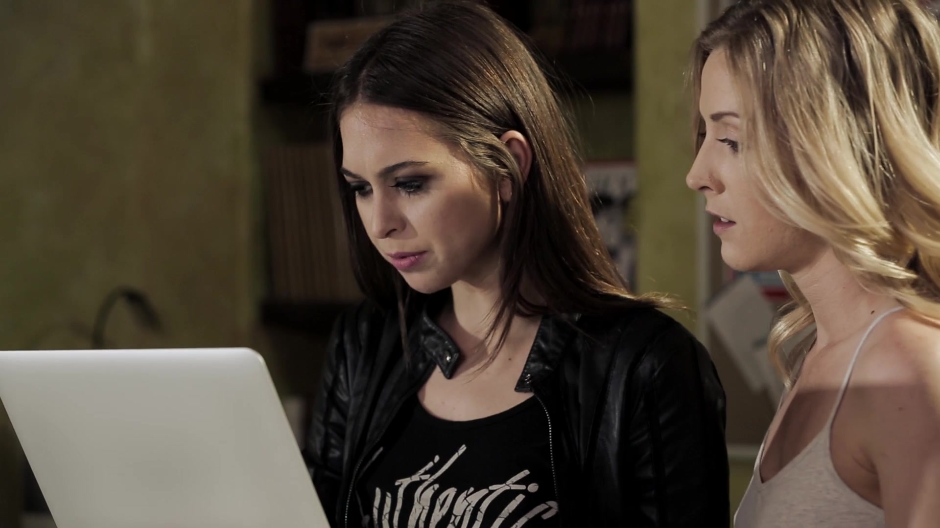 Scene with Reena Sky and Riley Reid - image 2 out of 20