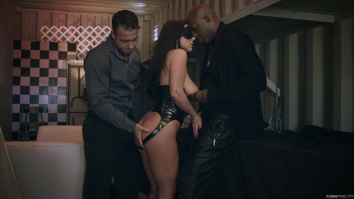 Scene with Angela White and Chad White - image 2 out of 20