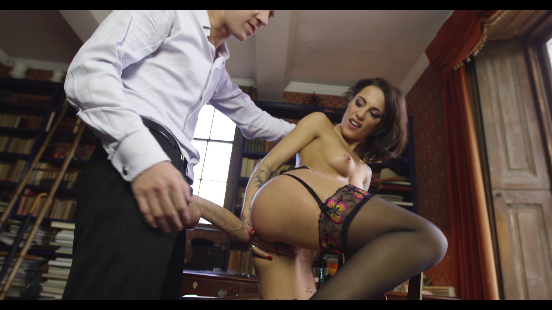 Scene with Nikita Belluci - image 14 out of 20