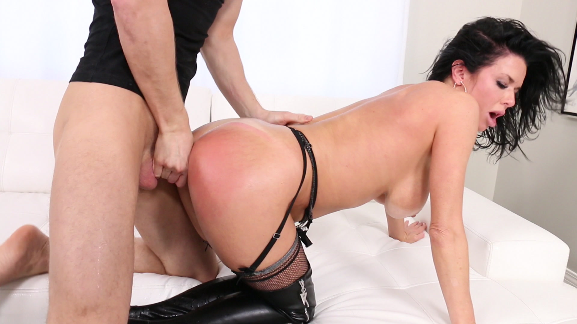 Scene with Veronica Avluv - image 12 out of 20