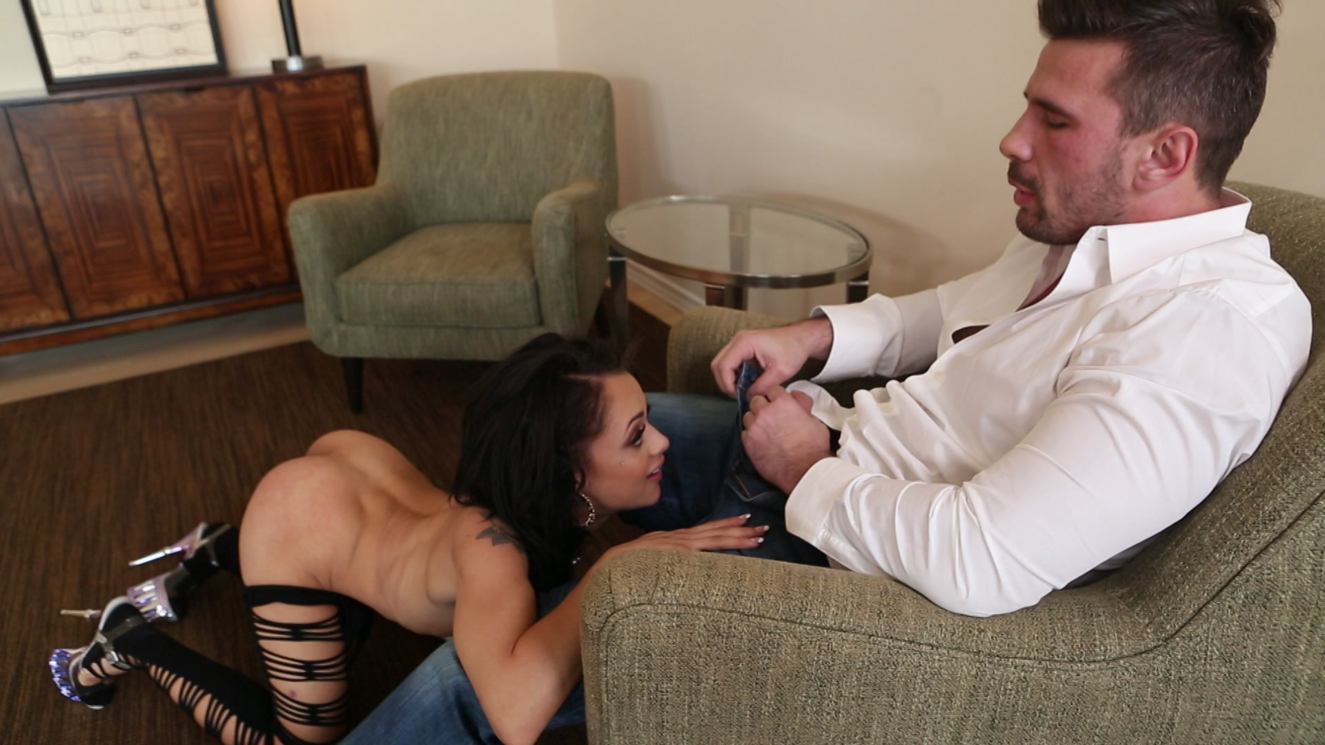 Scene with Holly Hendrix - image 9 out of 20