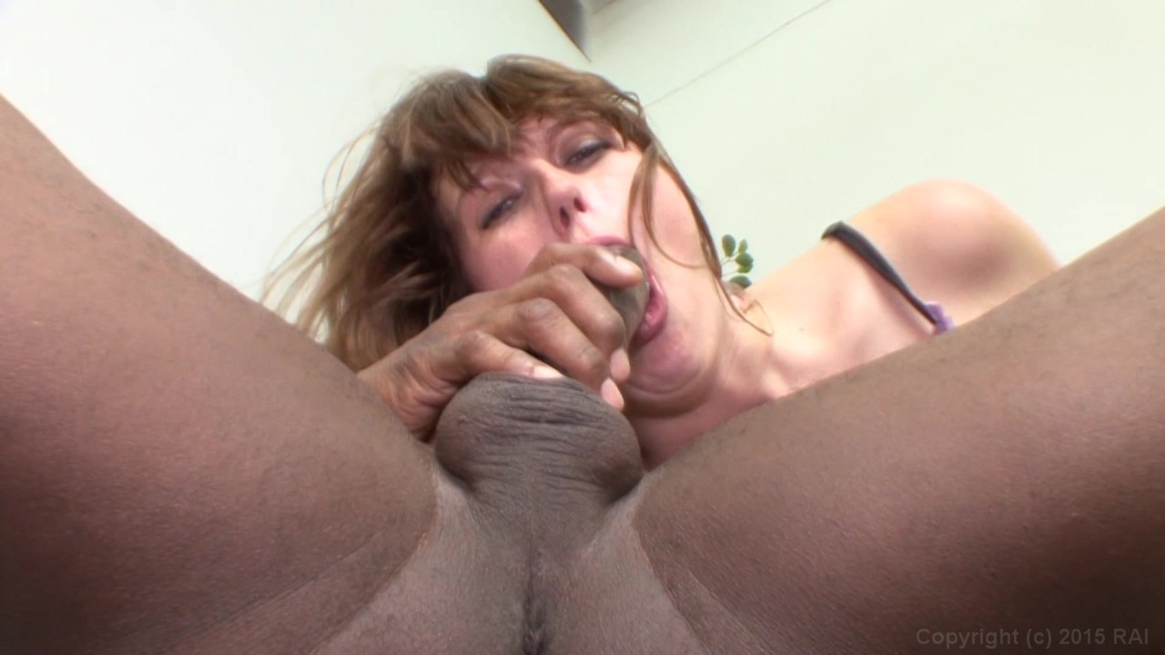 Multiple cum loads in one pussy