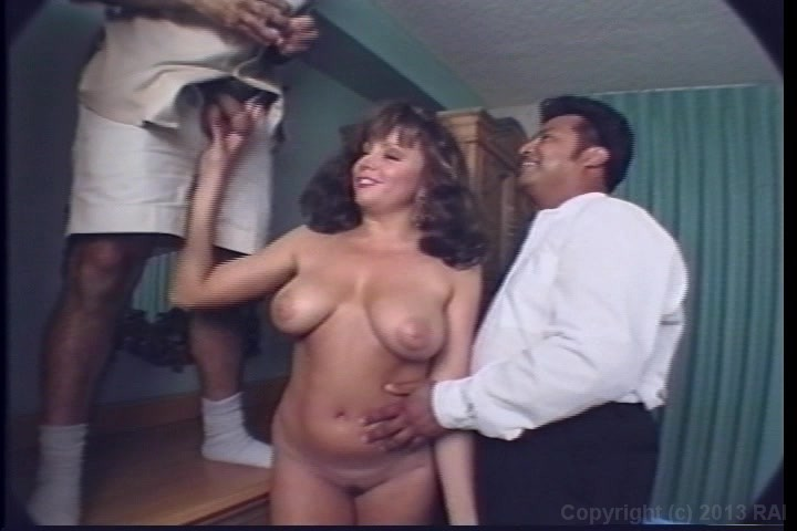 Fashon show boob bounce