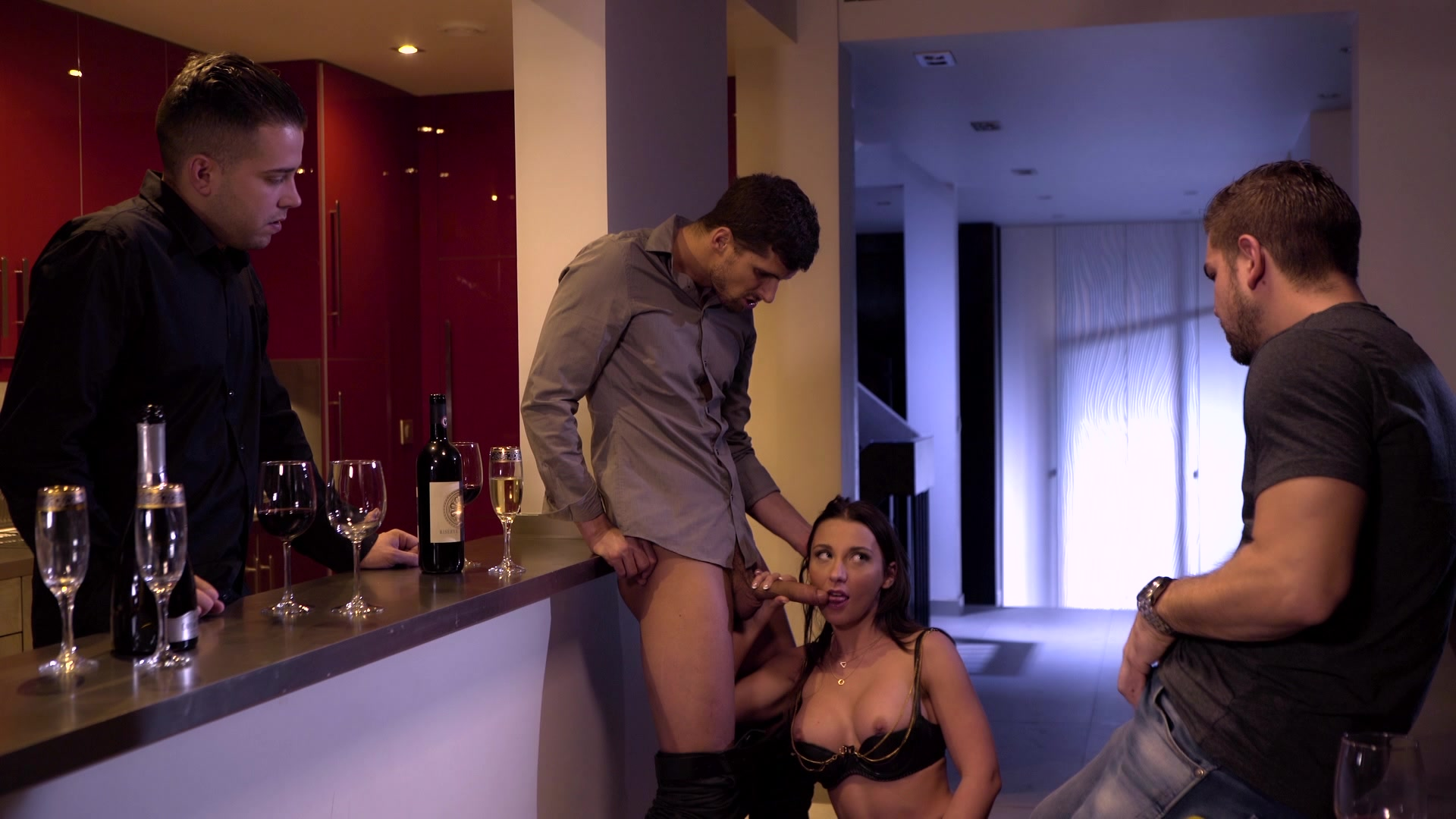 Scene with Julie Skyhigh - image 8 out of 20