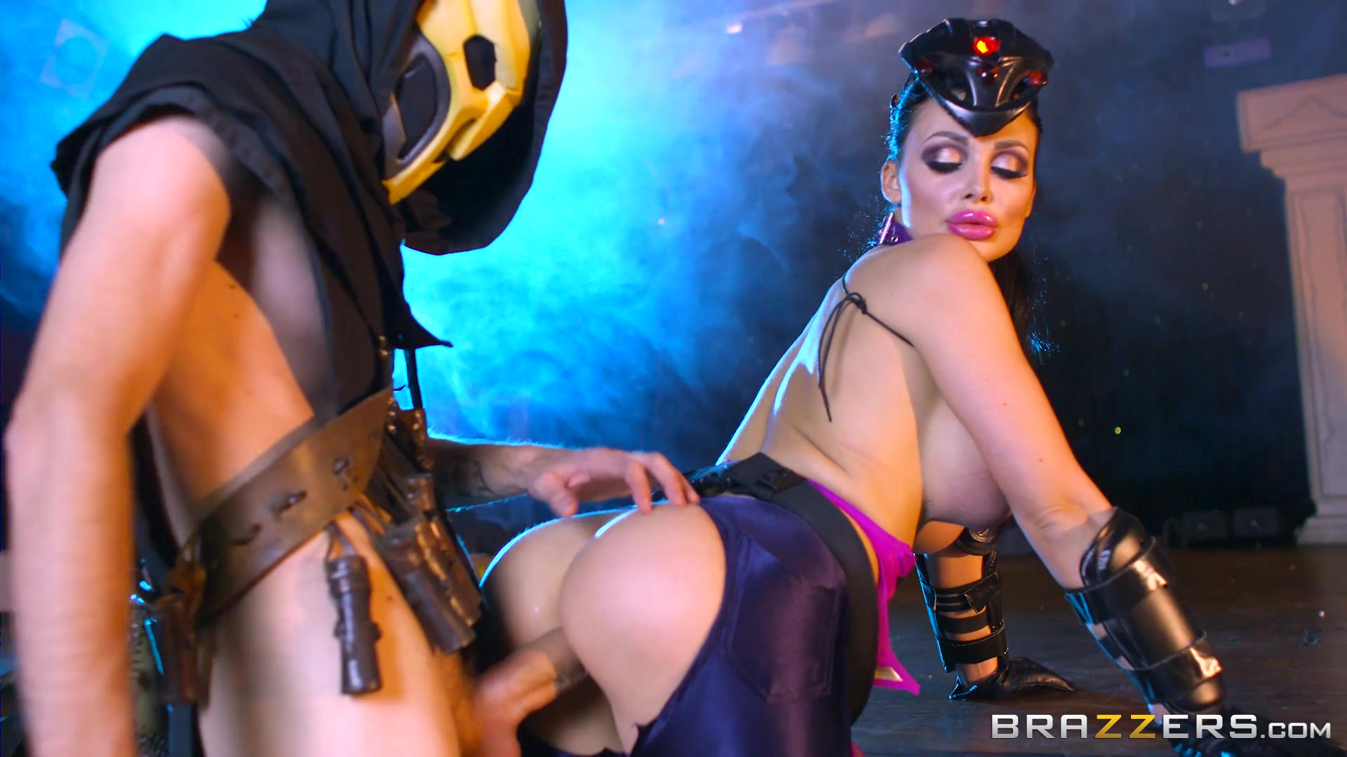Sexy Dark Haired Aletta Ocean Gets Fucked by a Guy in a Mask Starring: Aletta Ocean Length: 32 min