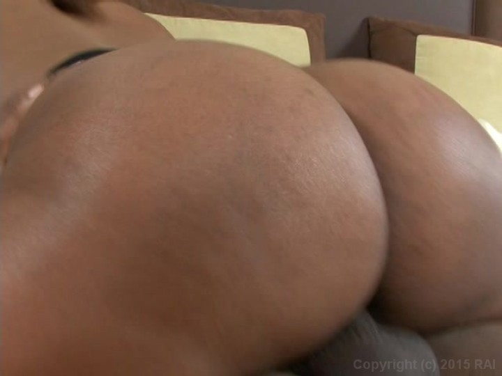 Big tits phat ass