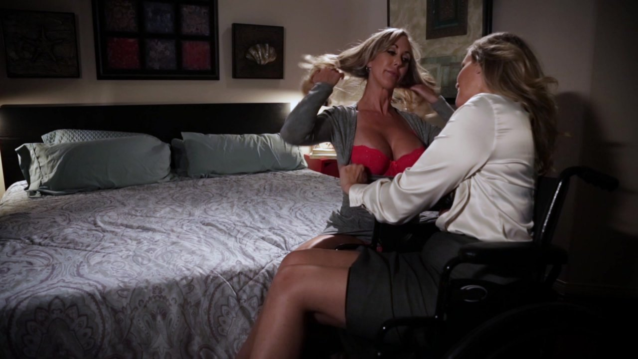 Scene with Julia Ann and Brandi Love - image 4 out of 20