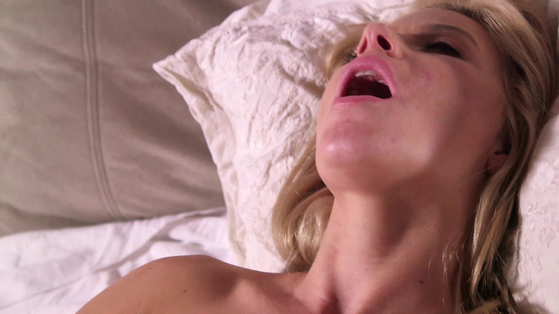 Scene with Bree Daniels and Anikka Albrite - image 17 out of 20