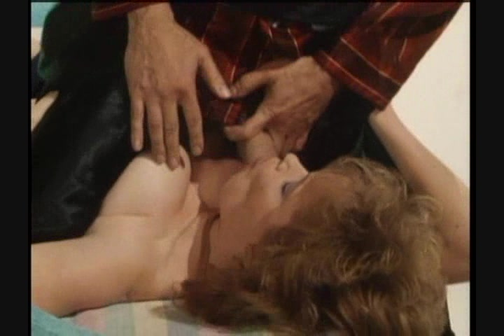 Screen image 17 out of 33 from 1001 Erotic Nights 2