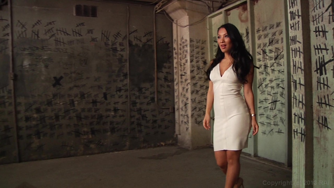 Scene with Asa Akira - image 2 out of 20