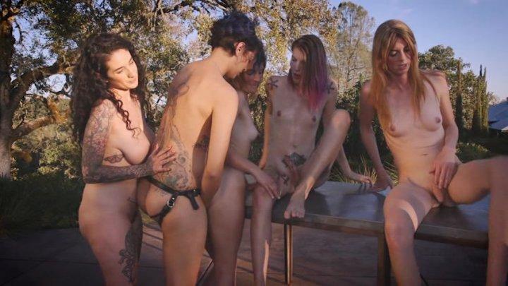 Scene with Mandy Mitchell, Delia DeLions, Arabelle Raphael, Mona Wales and Freya Wynn - image 11 out of 20