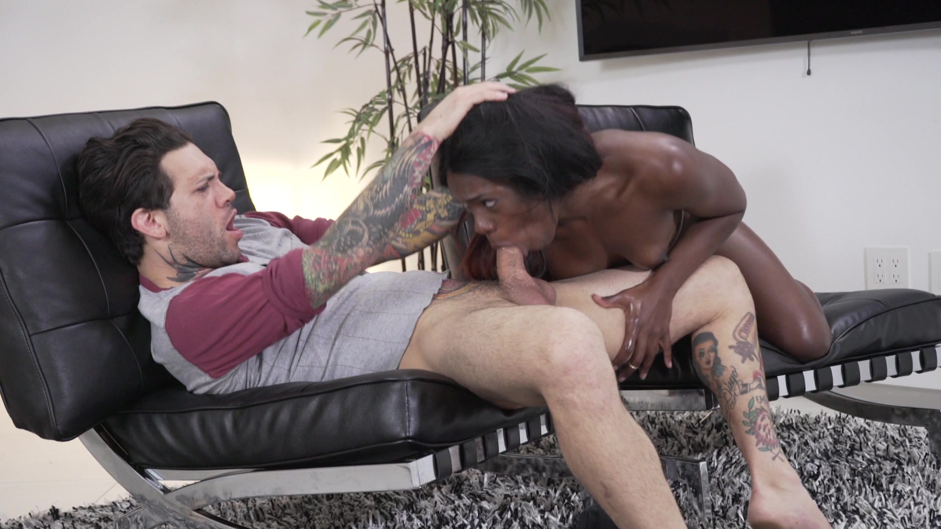 Scene with Ana Foxxx - image 10 out of 20
