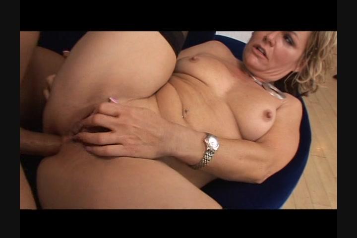 Horny brazilian whore amanda fucks