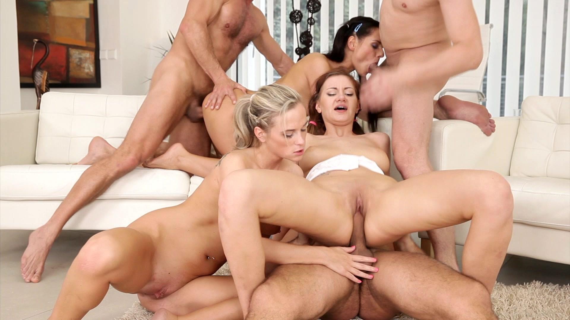 Просмотреть порно груповое, Групповуха и групповое порно смотреть онлайн 3 фотография