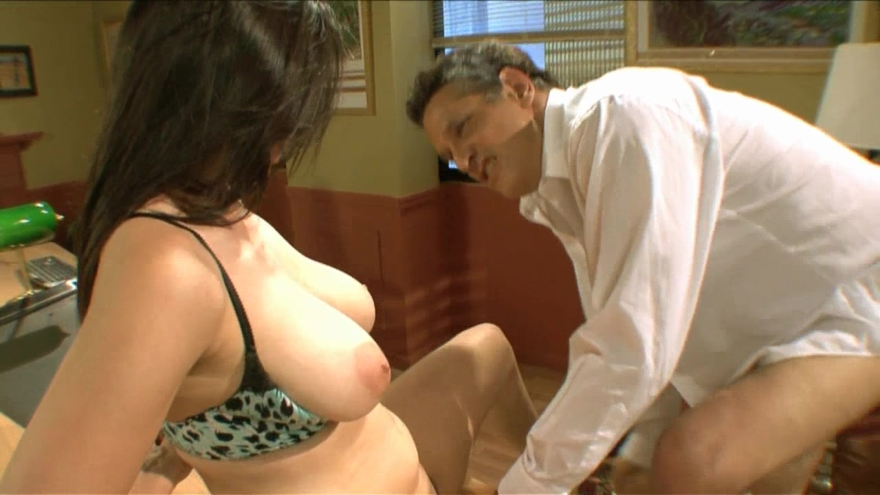 Scene with Herschel Savage and Evie Delatosso - image 4 out of 20