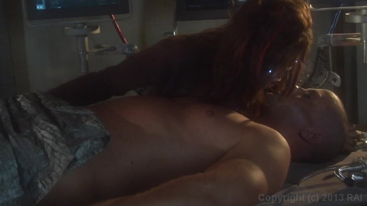 Scene with Eric Masterson and Kirsten Price - image 7 out of 20