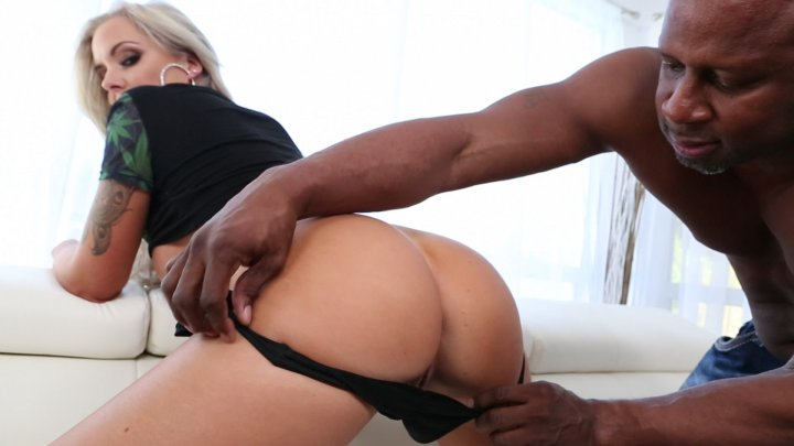 Streaming porn video still #2 from White Booty 2