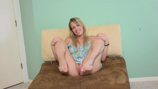 Streaming porn video still #3 from Kick Ass Chicks 99: Zoey Monroe