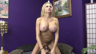 Streaming porn video still #5 from Mommy Knows Best Vol. 20
