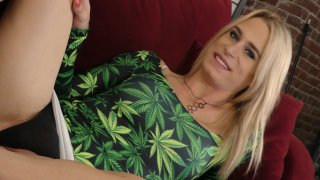 Streaming porn video still #1 from Nikki Vicious