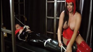 Streaming porn video still #7 from Scarlet Witch VS Black Widow And Batwoman