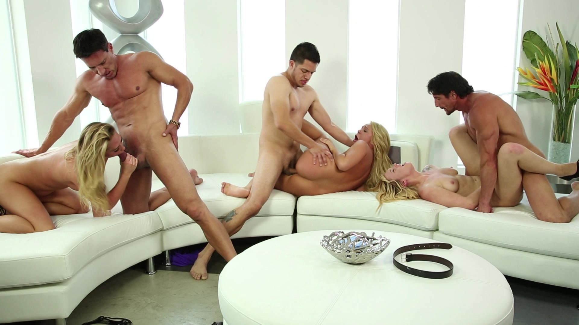 Shemale cumshot porn