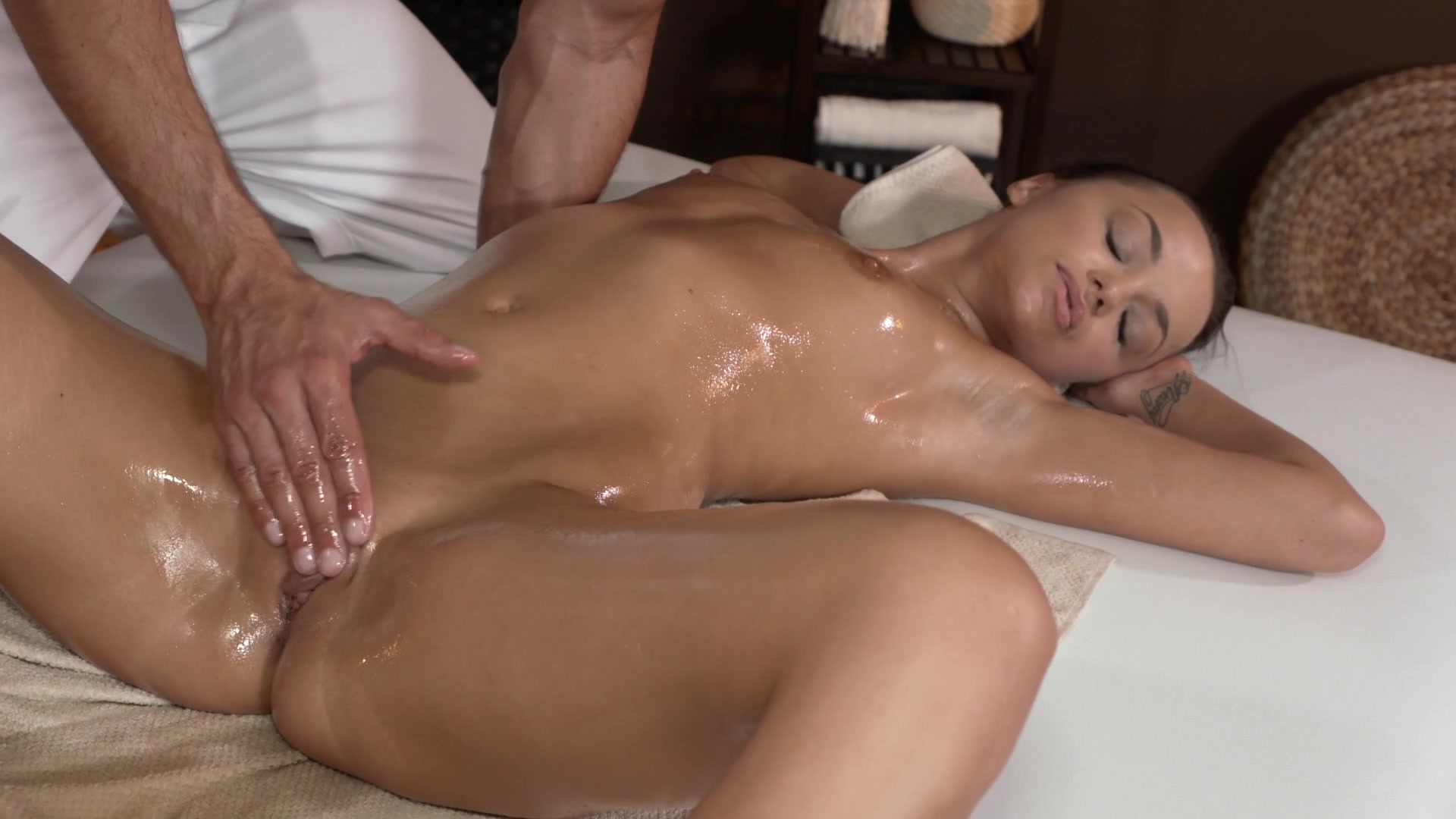 Женские оргазмы от массажа видео тот