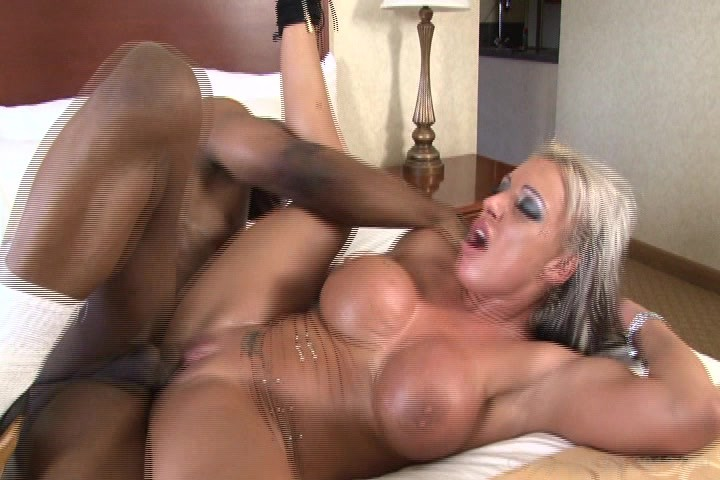 Top notch amateur mature creampie