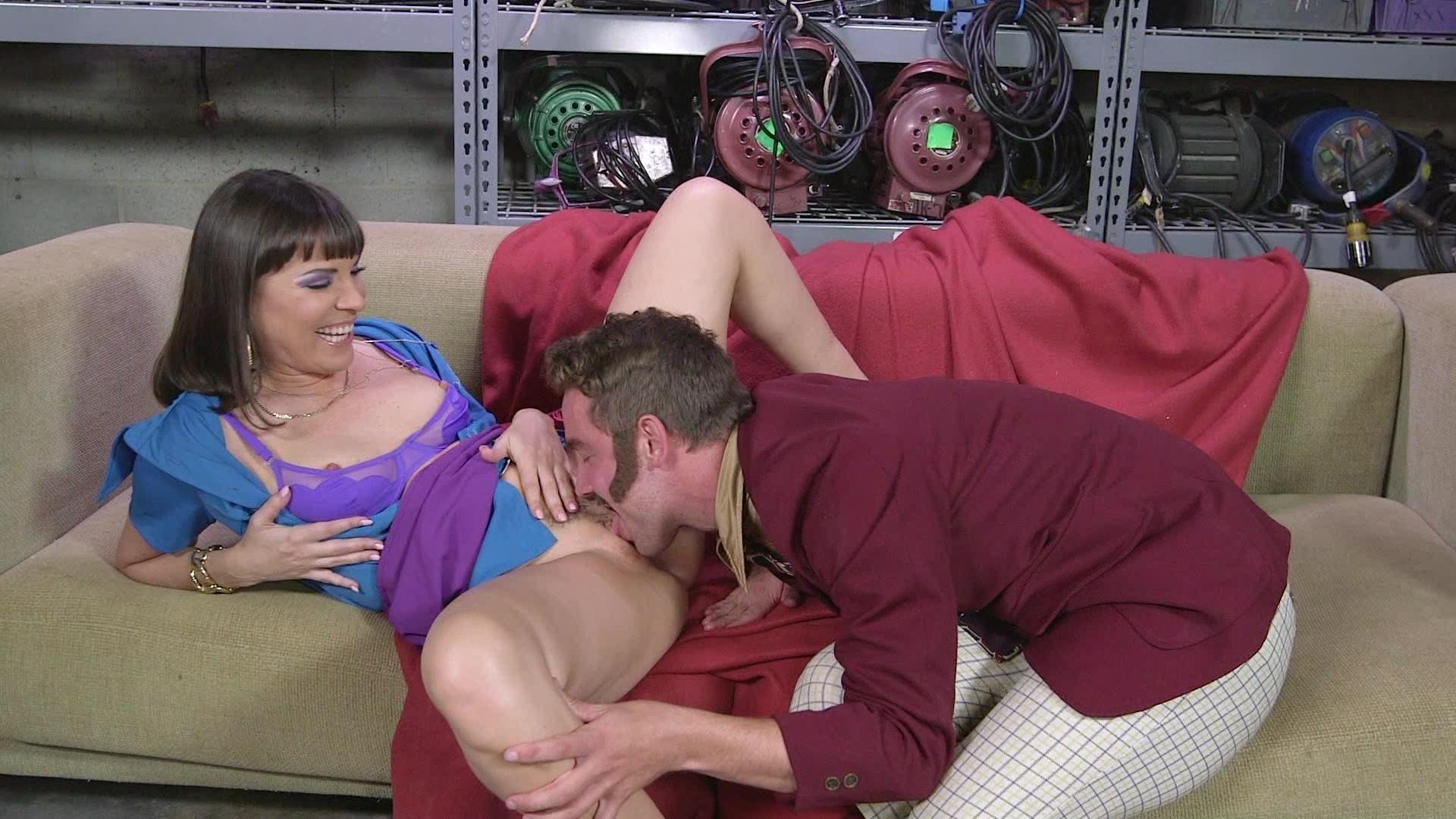 Смотреть кунилингус на диване, Порно кунилингуса онлайн бесплатно в хорошем 22 фотография