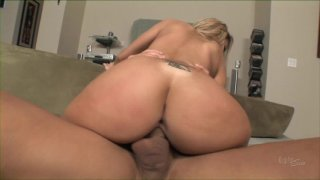 Streaming porn video still #5 from Squirting USA