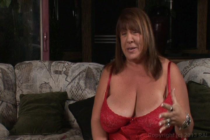 Sexy mature babes cumming video — 11