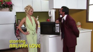 Streaming porn video still #4 from American Hustle XXX Porn Parody