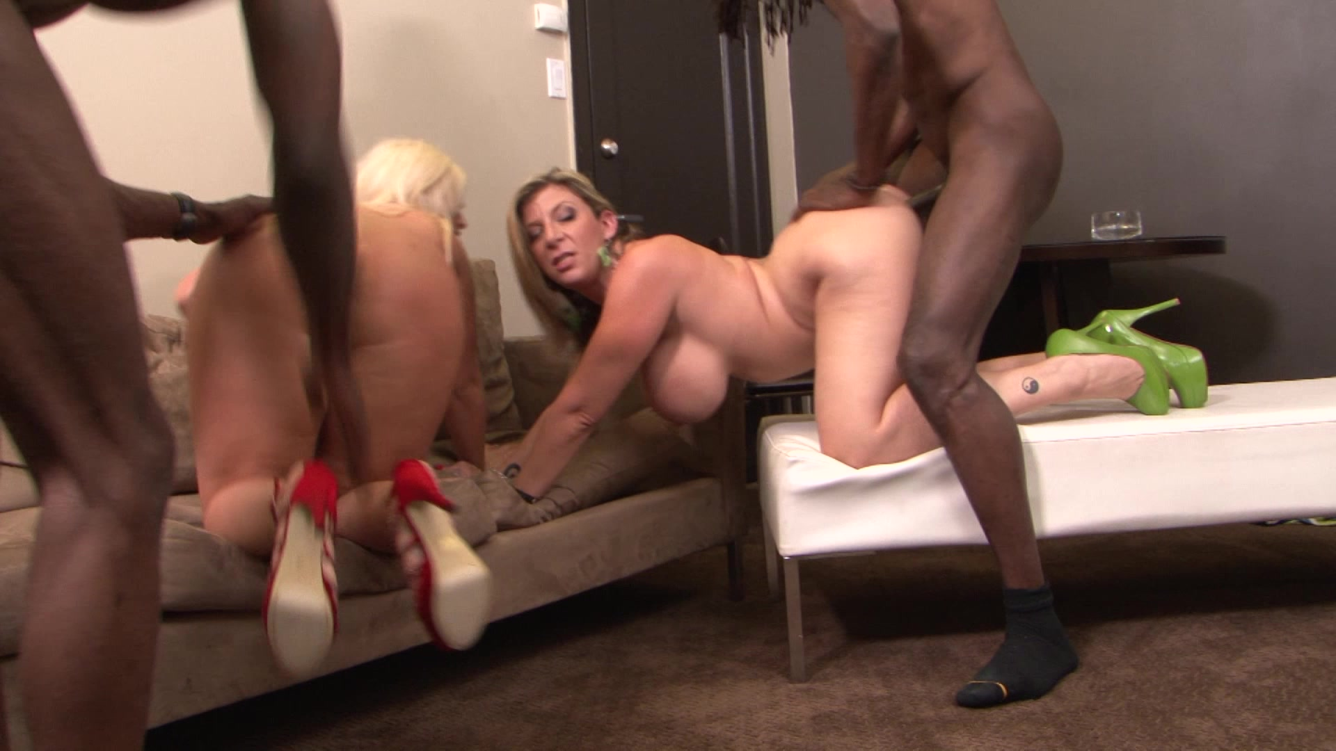 julie cash footjob