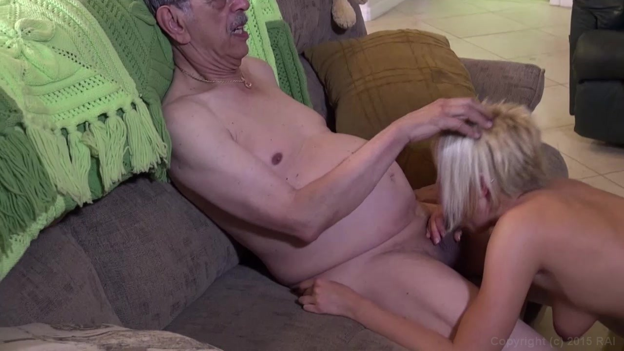 hand in pussy vidios