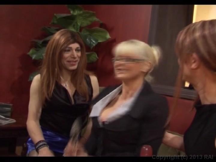 Milf transwoman