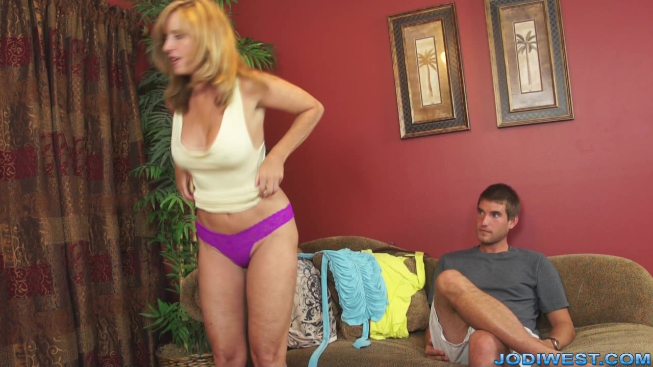 Single mom needs sex - 3 part 1