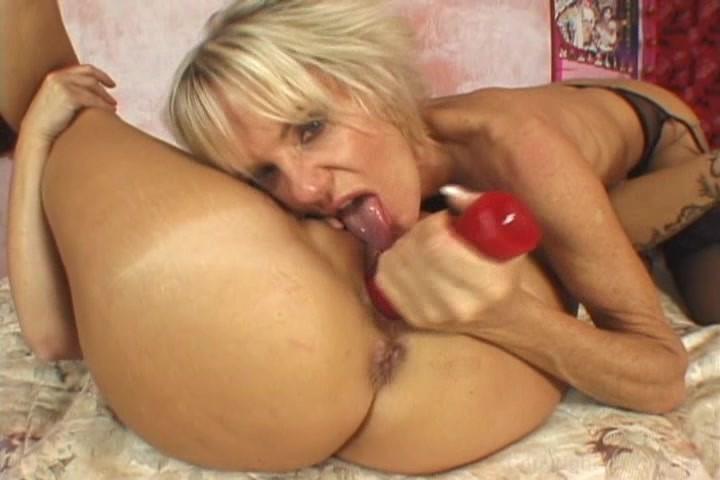 Sexy lesbian milf videos